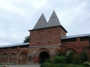 Средние башни проездные, с воротами
