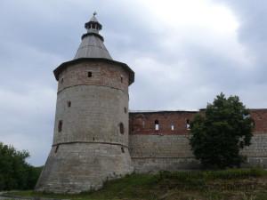 Все угловые башни — 12-гранные