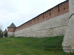 Западная стена крепости — такую взять приступом и сегодня будет не просто