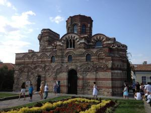 Необычна архитектура провославный храмов Несебра.